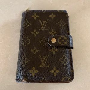 Louis Vuitton French Purse Wallet 100% Authentic